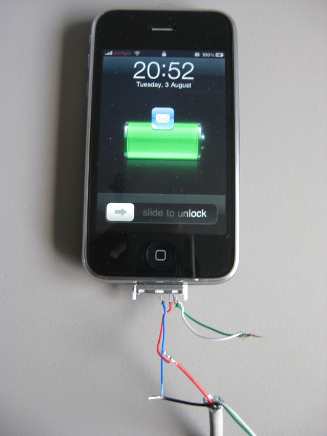 iphone itouch guitar cable uamp buffer wiring it up nice hardware hackers reveal appleu0026 39 s charger secrets slashdot